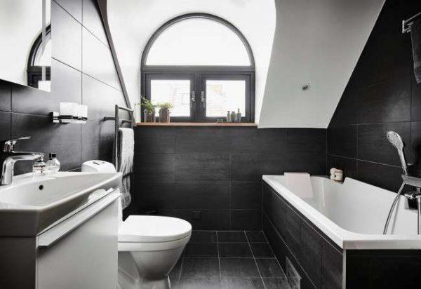 чёрный и белый в ванной