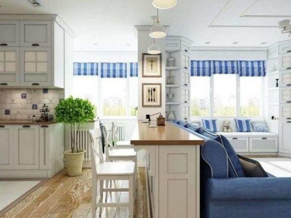 Барная стойка и диван в кухне гостиной