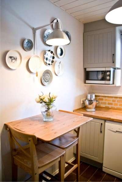 настенный декор на маленькой кухне