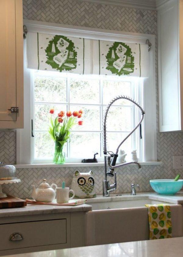 рисунок на кухонных шторах