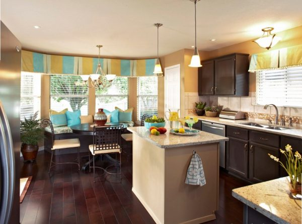шторы для кухни с жалюзи
