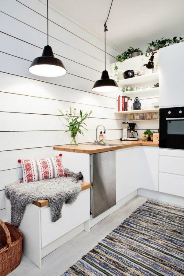 маленький диван на кухне
