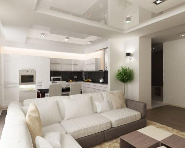 интерьер белой кухни с потолком