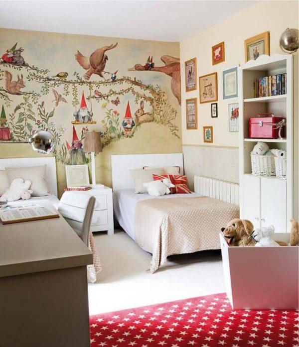картина на стене в детской комнате для девочек