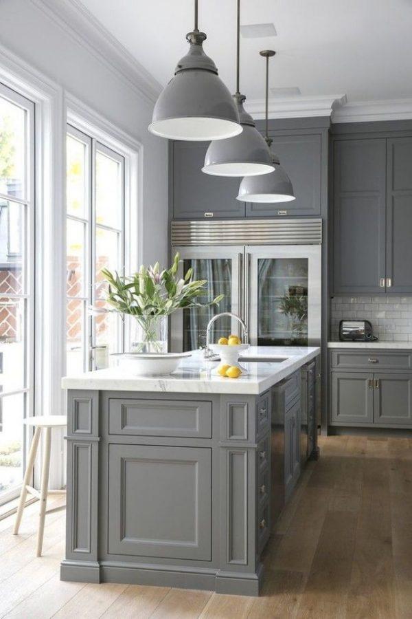 серые плафоны на кухне