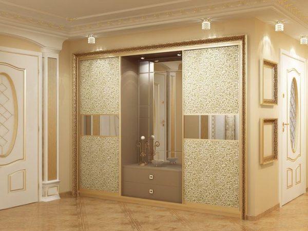 шкаф прихожей классического стиля