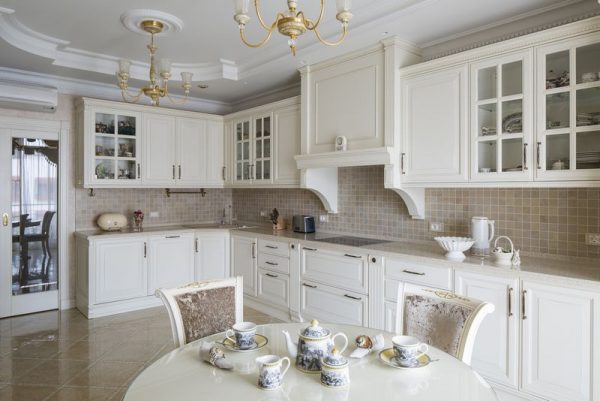 классический стиль на современной кухне