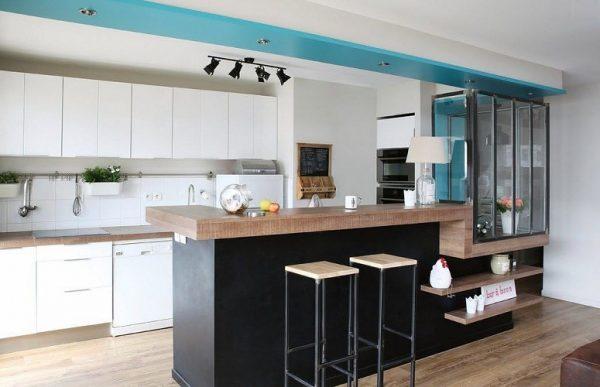 белая линейная кухня хай тек