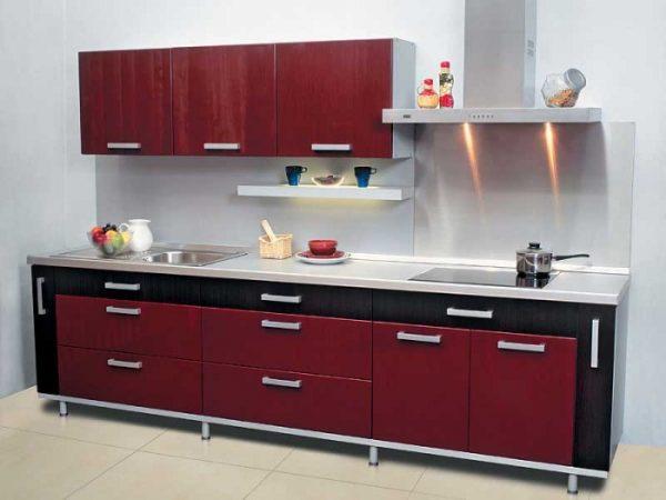 бордовая линейная кухня