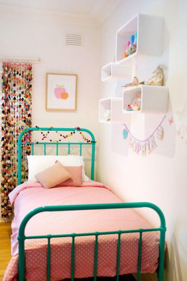 шторы из ниточек с бубончиками для детской