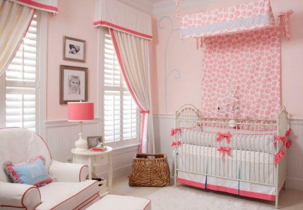 нежные розовые шторы для комнаты ребёнка