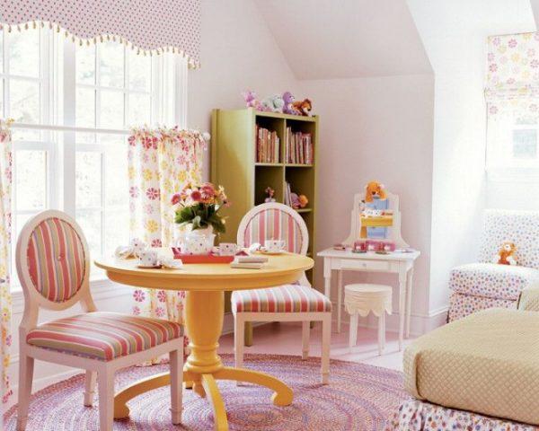 короткие шторы для детской с ламбрекеном