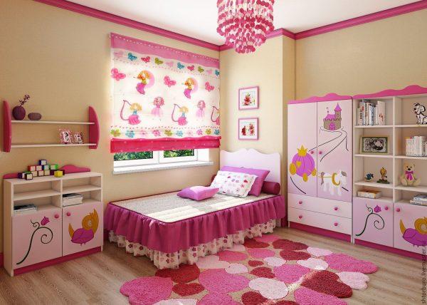 яркие римские шторы в детской комнате