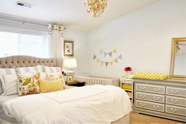 стены с декором в спальне с кроваткой