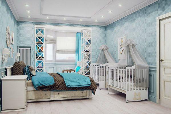 две кроватки в спальне родителей