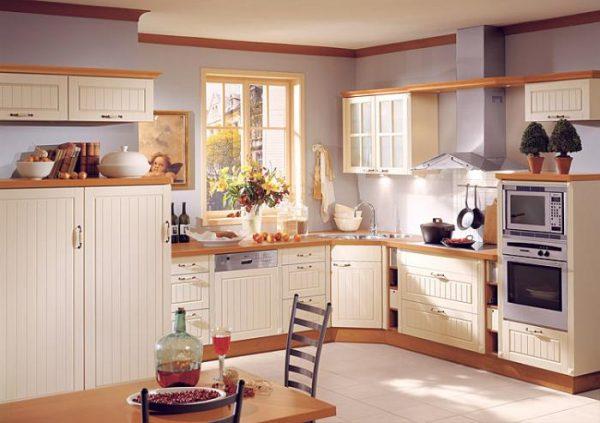 кухня угловая с фасадами жалюзи из дерева