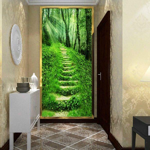 тропинка лесная на фотообоях в коридоре