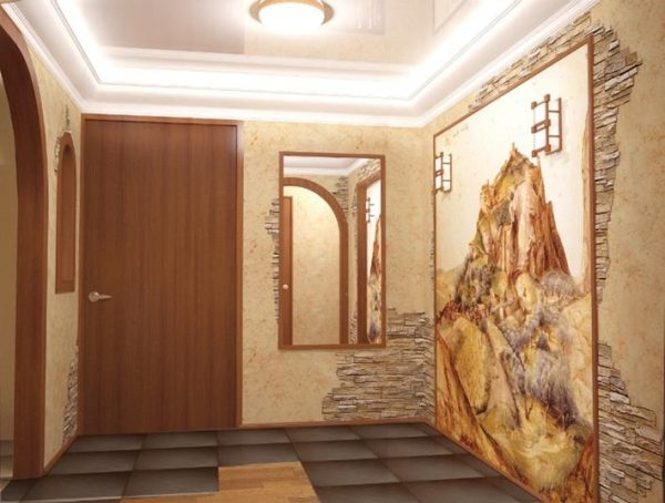 картина гор на фотообоях в коридоре