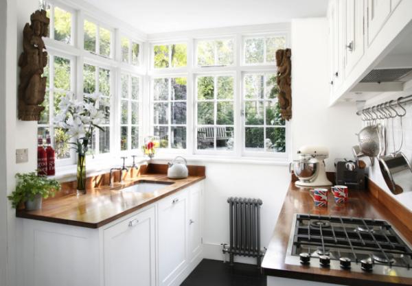 светлая белая кухня