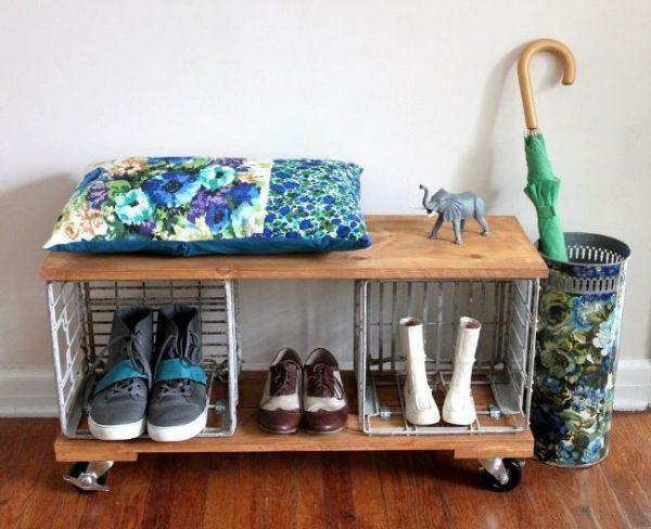 полка для обуви с металлическими ящиками
