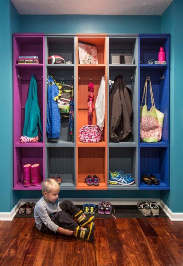разноцветная полка для обуви