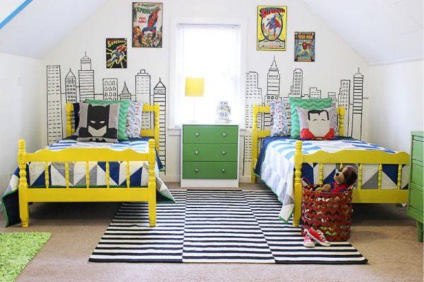 жёлтые кровати в детской