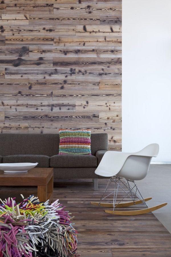 фактурный ламинат на стенах