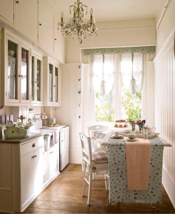 -кухни-8-кв.-м-в-светлых-тонах