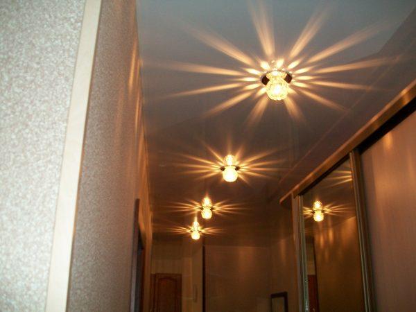 -потолок-для-коридора