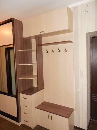 может быть фото шкафов прихожих в коридор с размерами основе
