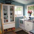 SMALL-KITCHENETTE