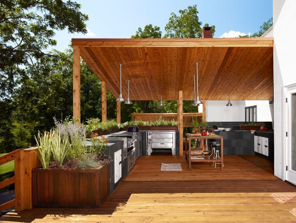 beautiful-modern-outdoor-kitchen