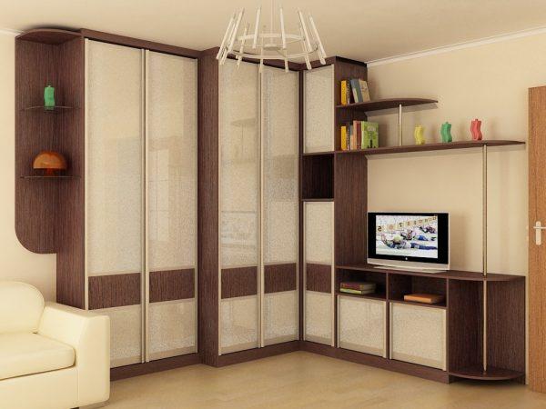 dizayn-uglovoy-prihozhey-5-1024x768