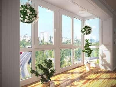 Витражный балкон — оформление по уму! Варианты красивого остекления +55 фото.