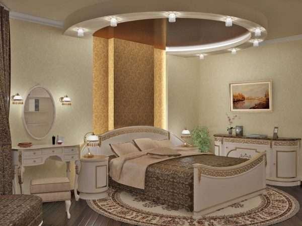 Точечные светильники на потолке в дизайне спальни в классическом стиле