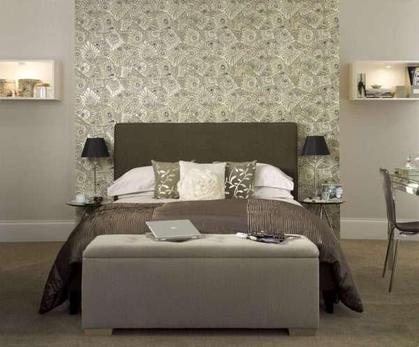 Оформления стен в дизайне интерьера спальни без окон