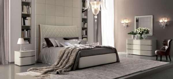 Кровать с кожаной обивкой для современной спальни