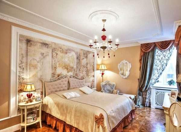 Настенная роспись в интерьере спальни в классическом стиле