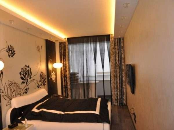 Витраж на потолке в спальне