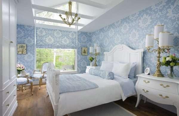 Кровать с резным изголовьем для спальни в стиле прованс