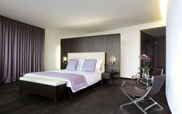 Дополнительное освещение спальни в стиле хай-тек