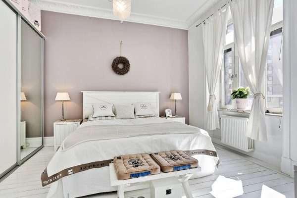 Дизайн белой спальни 12 м с белым полом