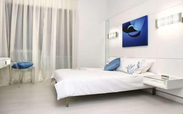 Яркие акценты в оформлении интерьера спальни