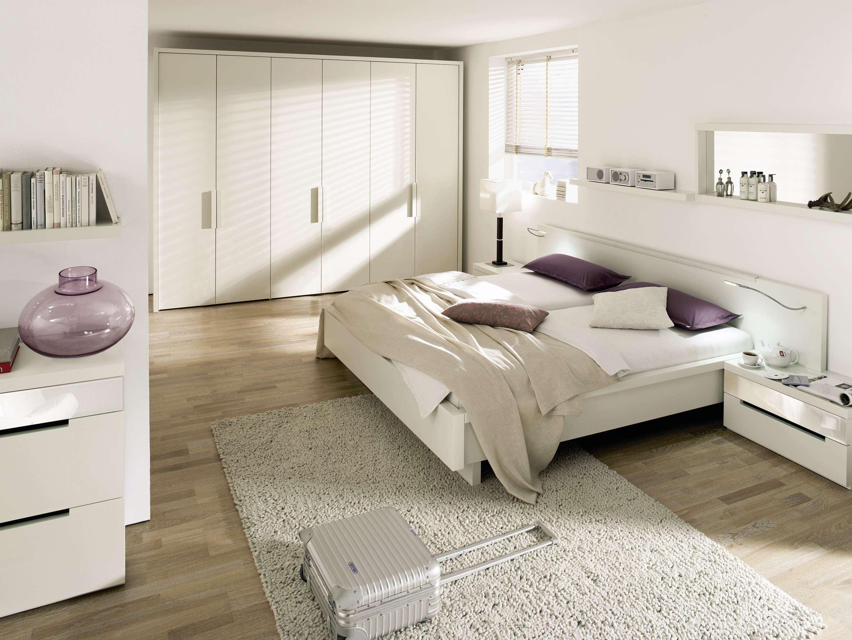 Спальня в бирюзовых тонах  выбираем позитив