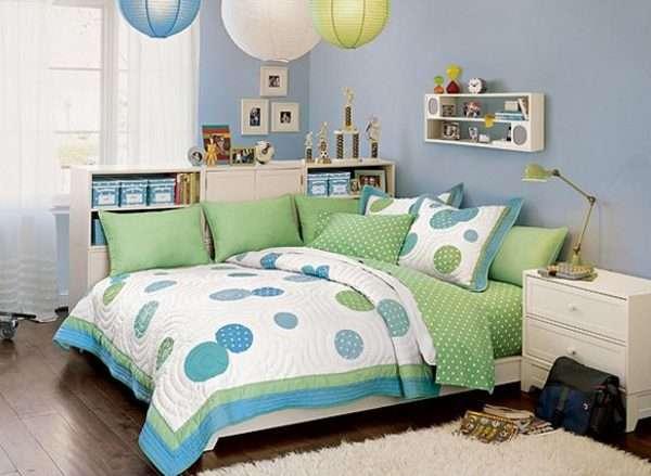 Интерьер спальни для девочки в голубых тонах