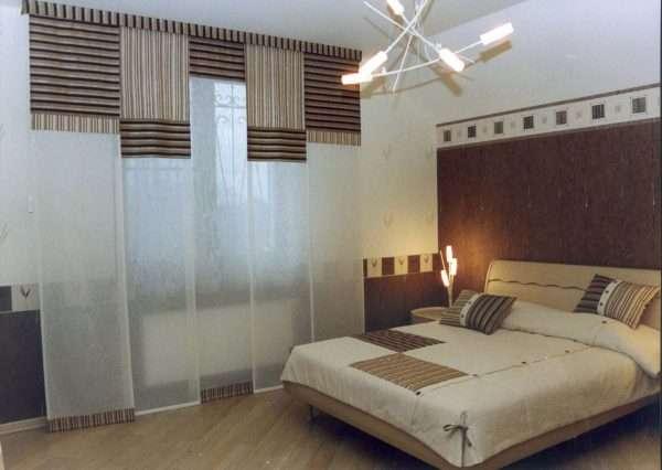 Японские шторы для минималистской спальни.