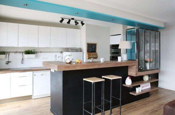Небольшая кухня гостиная в стиле хай тек