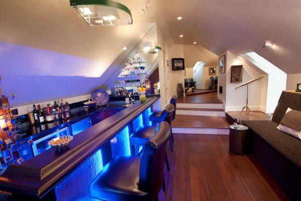 подсветка на барной стойке