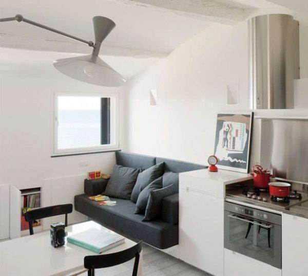 уголок для отдыха на кухне гостиной в частном доме
