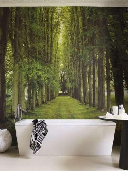 3d обои с видом леса в интерьере ванной